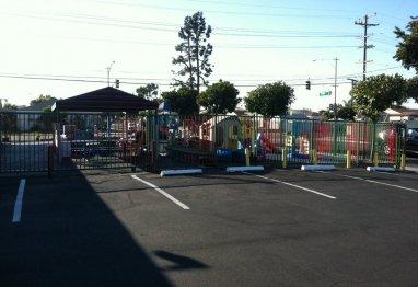Attirant Daycare Center Picture