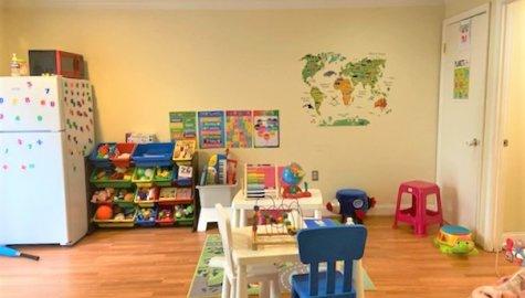 Montgomery Knolls Kids Playhouse, Silver Spring